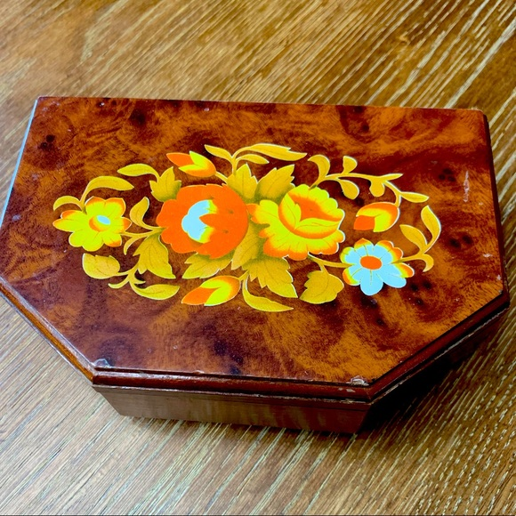 Small vintage wooden jewelry box